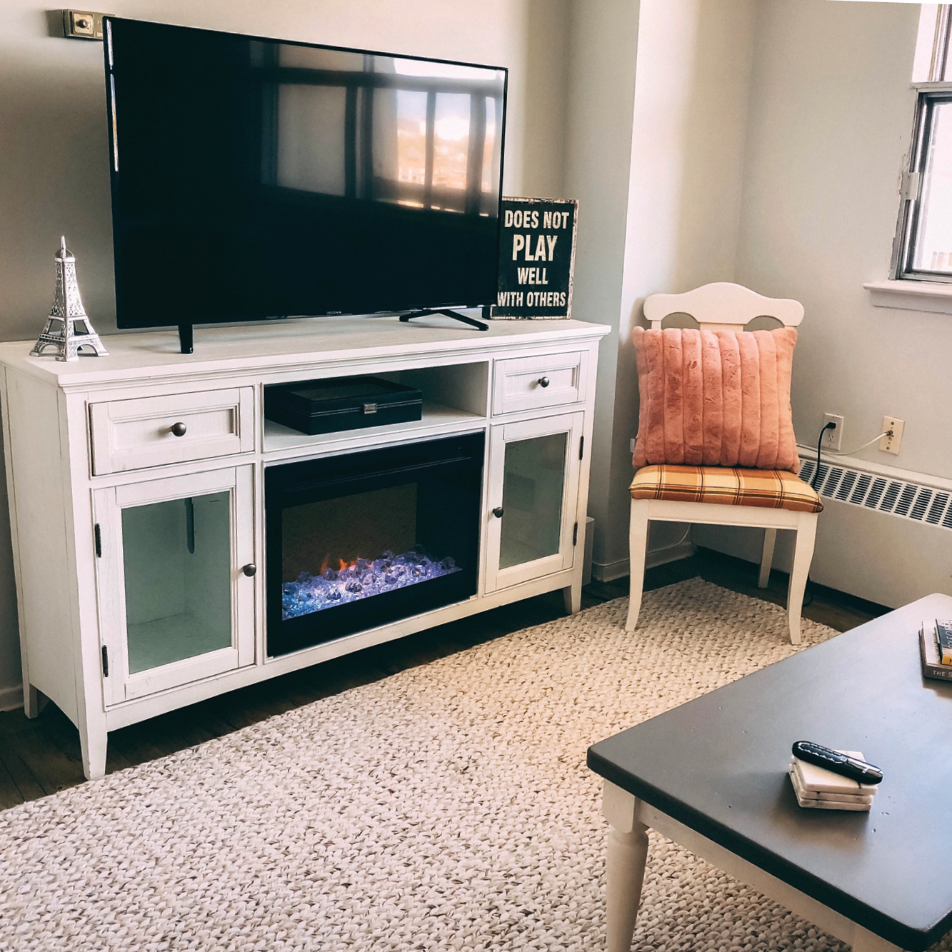 An Easy Diy For A Boring Apartment: Nicole Sweetman-Rice
